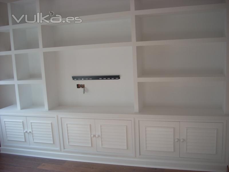 Foto mueble pladur carpinteria lacada color blanco - Muebles de escayola para salon ...