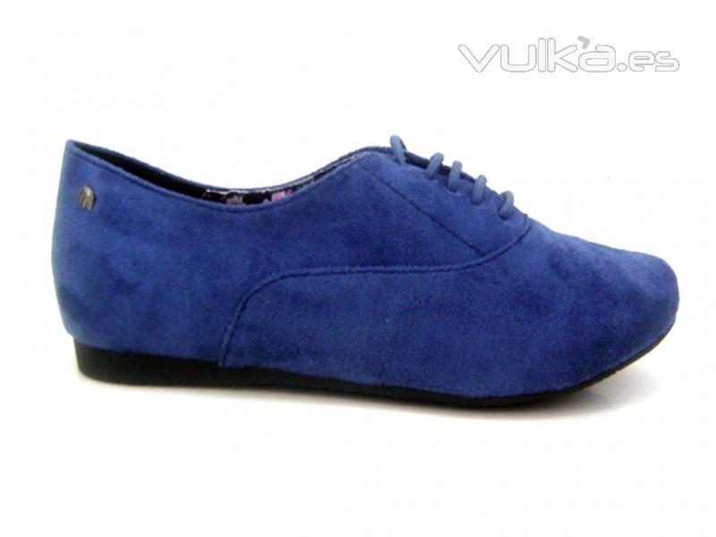 Zapato estilo ingles acordonado en antelina.