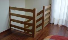 Barandilla de madera con tablas