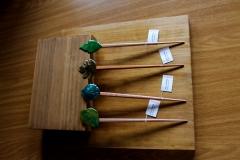 G�sim, pinchos para el pelo para invitadas de boda con formas de hojas