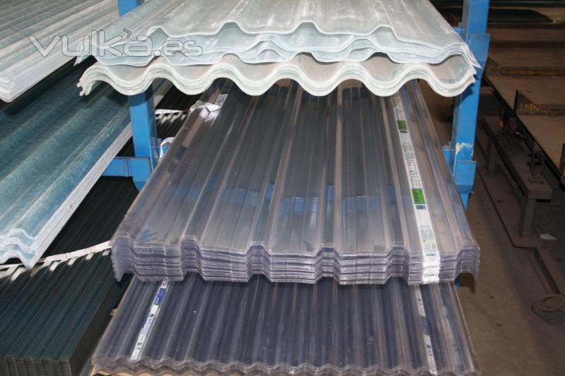 Excomer s l hierros tubos chapas paneles s ndwich for Cubiertas transparentes para techos