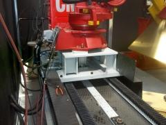 Desplazador para robot de soldadura, máquina de soldar y bobina de hilo.