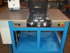 Máquina para inserción de clips y