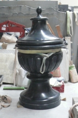 Copa-urna funeraria 190 x 100 cm. mármol negro