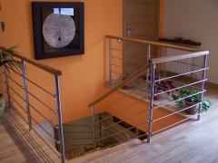 Barana amb barres horizontals i passama de fusta