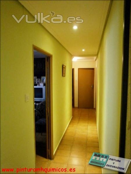 Foto pintura plastica mate en paredes color verde for Techos y paredes verdes