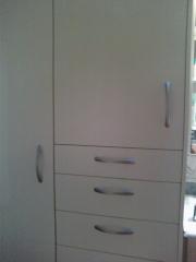 Mueble ba�o melamina blanco 4 cajones y dos puertas con estantes