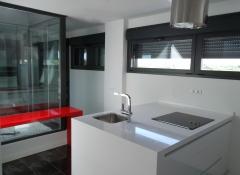 Encimera de cocina de silestone blanco zeus y rosso mounza