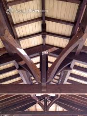 Detalle de cercha de madera laminada de cubierta de madera www.navarrolivier.com