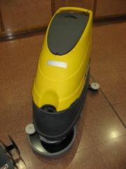 Fregadora autom�tica de suelos lavor.