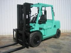 Carretilla diesel industrial mitsubishi fd50k2-mc