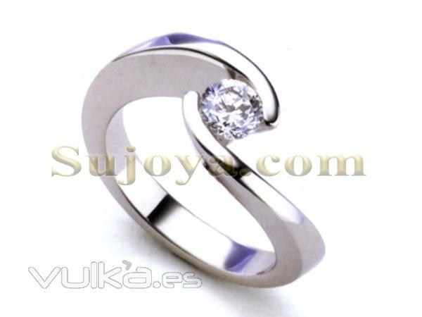 Solitario con Diamante,en Oro Blanco de Ley 18k.