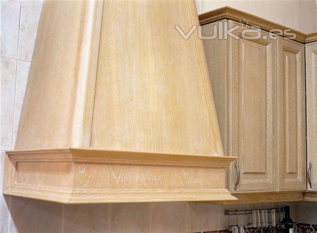 Foto molduras de madera para muebles for Molduras de madera para pared