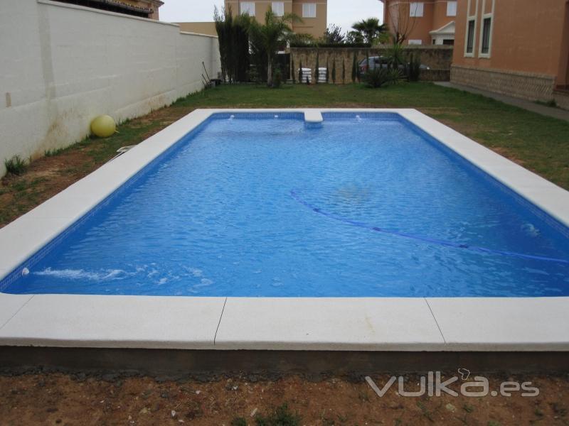foto piscina de 9 5 x 4 con escalera y zona de chapoteo