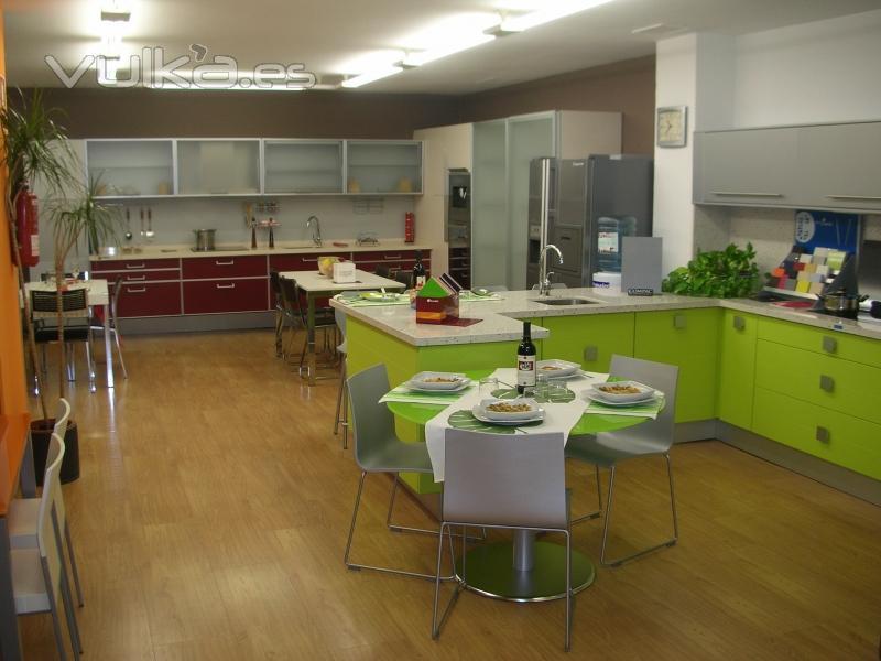 Foto exposicion cocinas elite for Cocinas exposicion