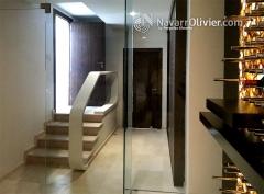 Bodega en madera, silestone y acero. dise�o muxacra arquitectos fabricaci�n www.navarrolivier.com