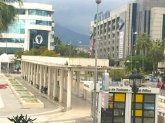 Puerto ban�s frente a la plaza antonio bandera