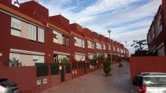 Construci�n y direcci�n de 23 adosados en San Isidro