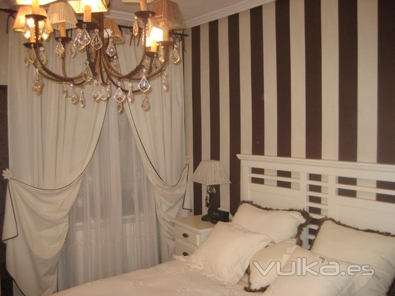 Foto dormitorio principal empapelado con terminacion - Cortinas dormitorio principal ...