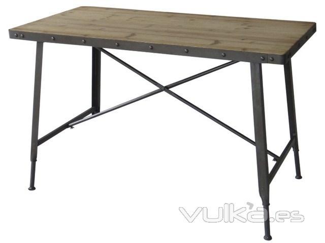 Foto mesa de comedor estilo industrial for Mesa comedor estilo industrial