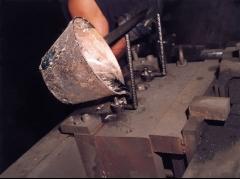 Colada de fundicion de aluminio por gravedad