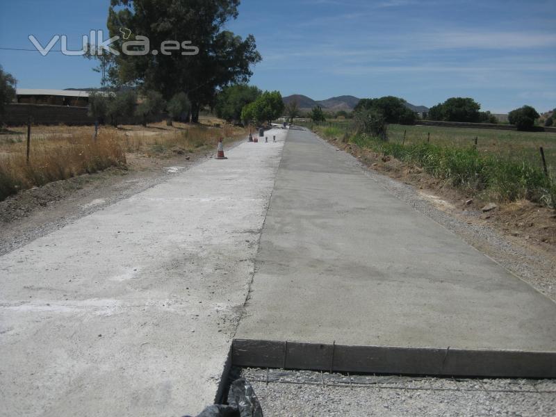 Foto losas de hormig n en camino for Camino hormigon