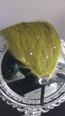 Diadema plumas con brillantitos verde