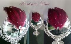 Diadema plumas con brillantitos burdeos