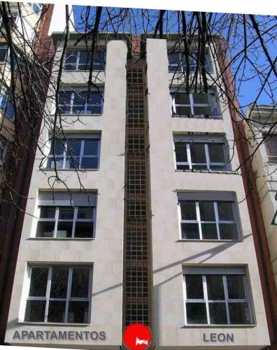 Apartamentos León en León.-