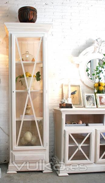 Foto: Muebles cruceta en decapado blanco