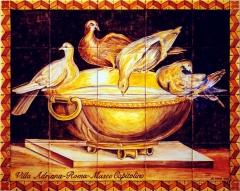 Mural cerámico basado en mosaico romano de las palomas bebiendo