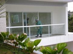 Limpieza y mantenimiento de cristales.