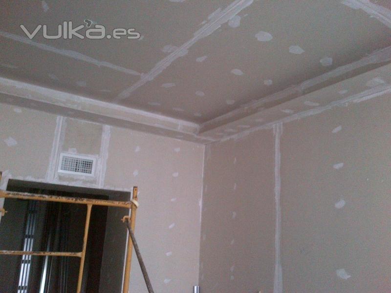 Foto pladur en paredes y techo con foseado - Fotos de techos de pladur ...