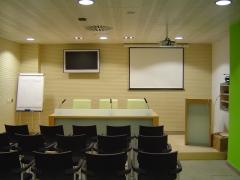 Pequeña sala de prensa