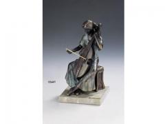 Figura viola verde, con acabos en bronce. llu�s jord�.