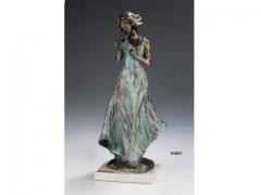 Figura poes�a verde, con acabos en bronce. llu�s jord�.