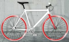 bicicleta fixie llantas rojas, moma bikes
