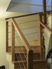 Barandilla de madera combinada con cable