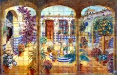 Patio andaluz con fuente y arcos. Mural de azulejos 355x235cm.