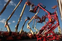 Ap aerial platforms, s.a.: plataformas jlg e hinowa en stock