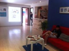 Instalaciones de la escuela de idiomas idiomas247 en barcelona