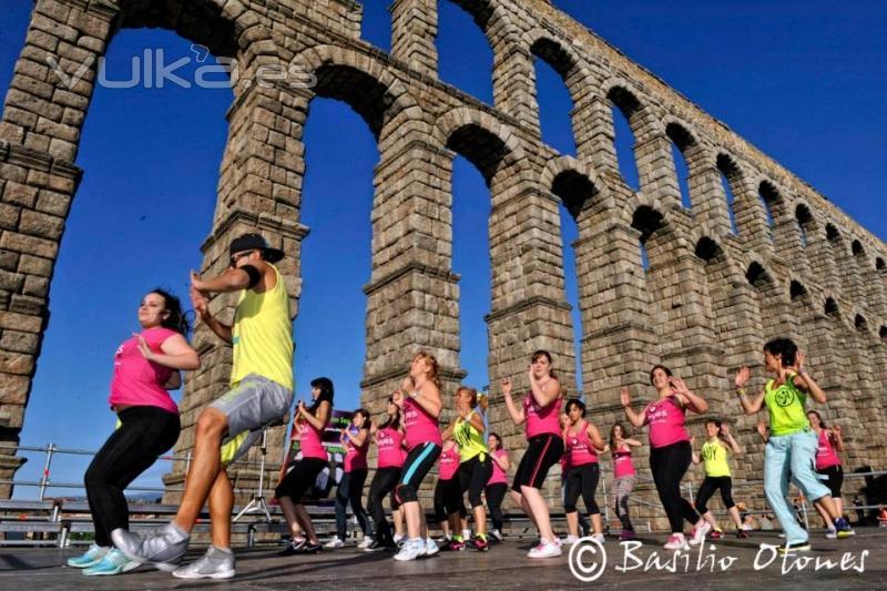 ZUMBA en Segovia. Master class a los pies Acueducto 23062013