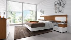 Dormitorio de matrimonio en color blanco liso y nogal