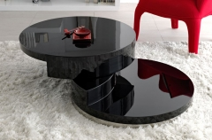 Mesa centro abierta, color negro.