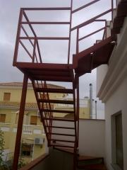 Escaleras met�licas