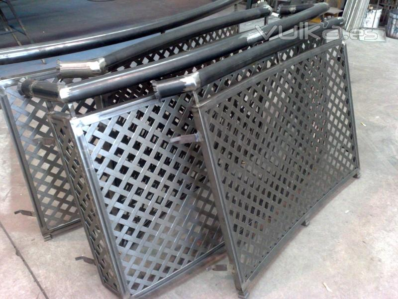 Foto barandas chapa perforada decoracion - Chapa metalica perforada ...