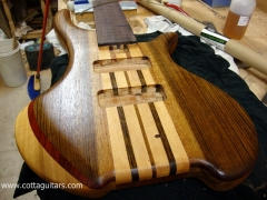 Cotta guitars. construcción de instrumentos vitoria