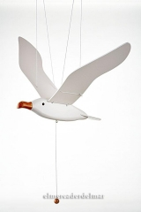 M�vil marinero de gaviota volando hecho en madera para la decoraci�n marinera