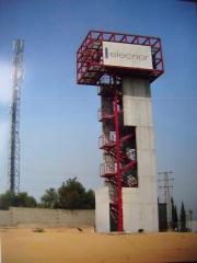 Escalera y revestimiento de torre entrenamiento de bomberos