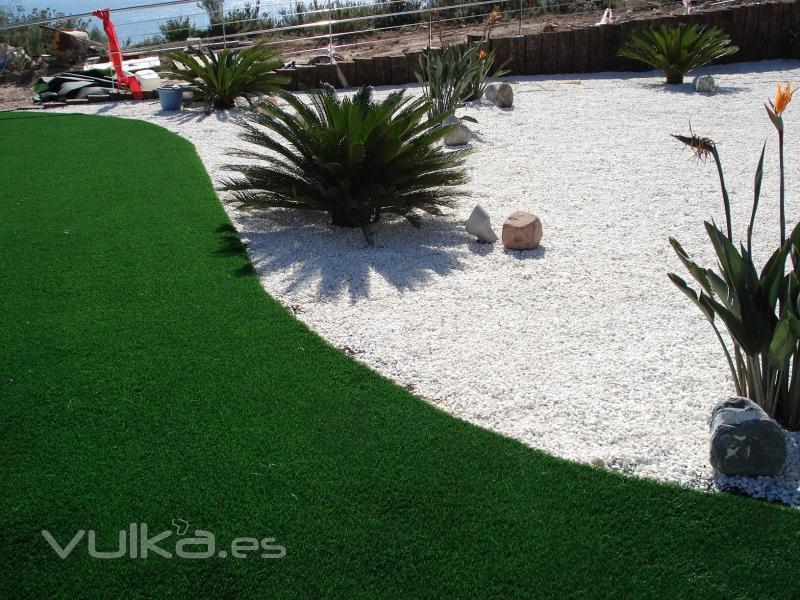 Allgrass cesped artificial golf for Jardines de cesped artificial